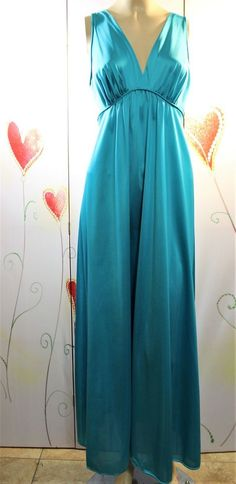 32bc93a97a6c VINTAGE JC PENNY S OH-SO-SOFT NYLON LONG NIGHTGOWN!! FAB STYLE   COLOR!  SMALL  fashion  clothing  shoes  accessories  vintage   womensvintageclothing (ebay ...