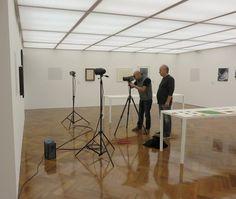 """Hoje Romulo Fialdini esteve aqui no Instituto De Arte Contemporânea para produzir as fotos da exposição """"Sacilotto - em ressonância"""" que serão utilizadas no catálogo."""