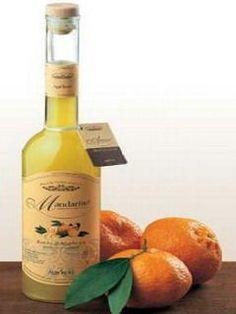Il liquore al mandarino, insieme al limoncello, è uno dei più gradevoli, non solo d'estate ma anche nelle serate invernali, da gustare con gli amici come digestivo, abbinato ad un dolce raffinato come le crepes o dei  biscotti secchi.