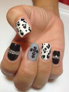 Google Image Result for http://static.becomegorgeous.com/img/arts/2012/Oct/16/8833/fall_2012_nail_art_8.jpg