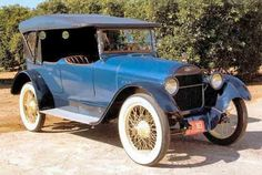 1917 Chevrolet Model D V-8 - Notice the larger cowell and smaller headlights