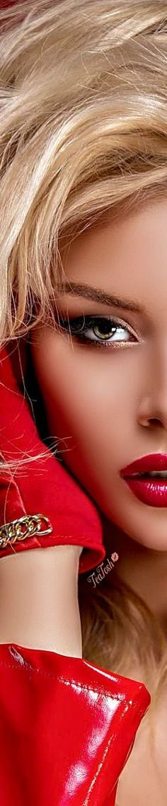 Gold Fashion, Leather Fashion, Recognition Awards, Red Face, Love Makeup, Shades Of Red, Colorful Fashion, Red Gold, Lady In Red