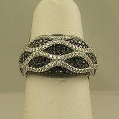 Ladies black and white diamond fashion ring JJ