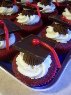 graduation cupcakes- Too cute! I told Ian he has to get another degree so I can make these!!! He thought making them for Cam in June was a better idea! ;D