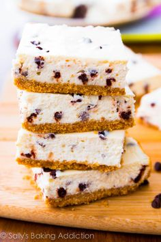 Sally's Baking Addiction Skinny Chocolate Chip Cheesecake Bars -- only 128 calories per serving Healthy Desserts, Just Desserts, Delicious Desserts, Dessert Recipes, Yummy Food, Cheesecake Recipes, Healthy Recipes, Chocolate Chip Cheesecake Bars, Skinny Cheesecake