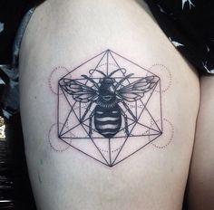 Tattoocoopman tattooist in Melbourne, geometric bee.