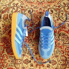 Comparte tus fotos del barrio con nosotros utilizando el #condeduquegente @dukemadrid  @adidasoriginals Very Spezial Prime Knit Blue disponibles en Duke. #adidas #primeknit #spezial #condeduque #malasaña #condeduquegente