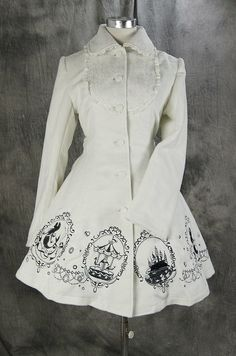 procosplay: Gothic Lolita white Jacke winter Mantel Coat Cosplay outfit VG-015 (Etsy: $216.00)