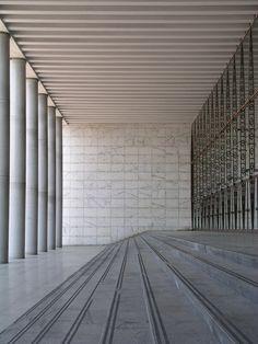 palazzo dei congressi, E.U.R. rome, italy. architect: adalberto libera, 1938.