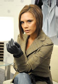 leather gloves on women pictures Black Leather Gloves, Leather Jacket, Gloves Fashion, Ebony Women, Spice Girls, Victoria Beckham, Celebs, Lady, Model