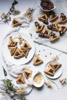 Biscuits Sablés Gourmands Cacahuètes, Chocolat & Pâte à Tartiner - Oreilles d'Haman (Hamantashen, Oznei Haman) Biscotti, Waffles, Dairy, Cheese, Vegan, Cookies, Breakfast, Sweet, Recipes