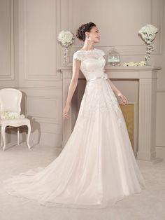 Vestido de Noiva de Fara Sposa (5670), corte evasé, decote ilusão