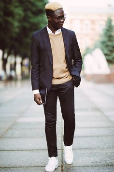 The Full Guide To Putting Together Business Casual Men Attire - Fashion City Mens Casual Work Clothes, Blazers For Men Casual, Work Casual, Business Casual Dress Code, Business Outfits, Casual Business Attire Male, Men Business Casual, Blazer Outfits Casual, Stylish Mens Outfits