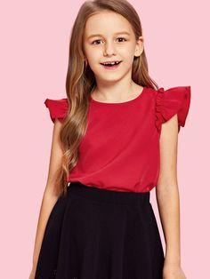Red Fashion, Fashion News, Girl Fashion, Fashion Trends, Ruffle Fabric, Ruffle Trim, Girls Blouse, Summer Shirts, Blouse Styles