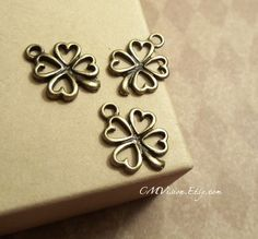 12pc of Antiqued Bronze Filigree Lucky Clover Flower by CMVision