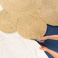 Make This Rope Rug With Only Three Materials This easy DIY will rope you in to upgrading your decor. Rope Crafts, Diy Home Crafts, Crafts To Make, Rope Rug, Sisal Rope, Silver Grey Carpet, Canvas Drop Cloths, Drop Cloth Rug, Diy Rangement