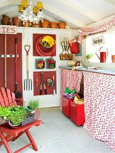 garden shed interior organizing
