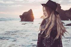 insta: @allisoncarolcreatives #photography #photographer #boho #bohemian #wanderlust #fashion #style #bohobabe #wander #nature #freepeople #fpme #ocean #beach #elmatadorbeach #malibu #california #sunset #beachvibes #beachbum