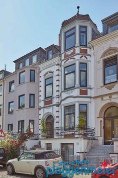 Gründerzeit Fassade in Bremen frisch saniert in ganzer Pracht! Mansions, House Styles, Home Decor, Bremen, Architecture, House, Fresh, Decoration Home, Manor Houses