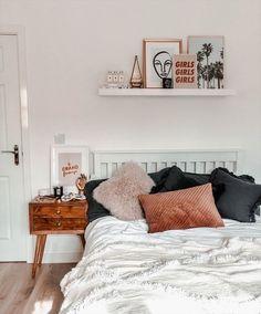 Room Ideas Bedroom, Bedroom Inspo, Classy Bedroom Ideas, Fall Bedroom Decor, Calm Bedroom, Bedroom Country, Budget Bedroom, Bedroom Designs, Dream Bedroom