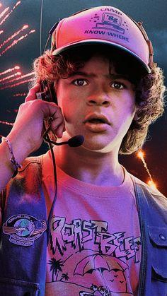Dustin In Stranger Things 3 4K Ultra HD Mobile Wallpaper