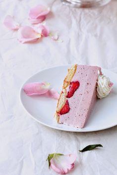 BAYADERKA: Strawberry Cheesecake cold