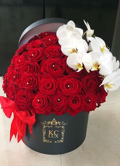 Luxury Flowers, Exotic Flowers, Pretty Flowers, Bouquet Box, Rose Bouquet, Flower Box Gift, Flower Boxes, Valentines Day Baskets, Happy Birthday Flower
