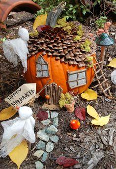 Make a Haunted Pumpkin Fairy Garden - love this easy craft that turns a pumpkin into a gnome house perfect for Halloween. Halloween Fairy, Halloween Pumpkins, Halloween Crafts, Happy Halloween, Halloween Decorations, Halloween Porch, Halloween Diorama, Fake Pumpkins, Carved Pumpkins