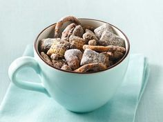 Chocolate Coffee Toffee Chex® Mix: 230 calories per cup serving. Plus you could skip the coffee and just have chocolate toffee chex mix Chex Mix Recipes, Dog Food Recipes, Snack Recipes, Yummy Recipes, Recipies, Nut Recipes, Yummy Food, Bakery Recipes, Coffee Recipes