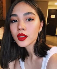"""Repost Dear people who repeatedly tell me to """"clean"""" my brows, I am going to keep this short and simple: No. Sincerely, me Filipina Actress, Filipina Beauty, Everyday Make Up, Full Brows, Celebs, Celebrities, Aesthetic Girl, Salvador, Women Empowerment"""