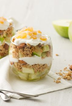 HONEY-GINGER PARFAIT WITH GREEN APPLE You'll wake up with a boost of energy from this crunchy combination of fresh flavours!