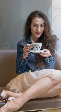 "Fashion Blogger Veronika Lipar of Brunette from Wall Street sharing what to wear for a coffee date with your girl friends #fashion #blogpost #date #coffeetime #ITpieces #ITshoes #fashiontrend #coffeedate #outfits #tulle #tulleskirt #elegant #dateoutfit #miniskirt #skirt #skirts #plexishoes #pumps #pumpshoes #chic #ss2018 #fashiontrends #denim #denimjacket #coffee #casual #sexandthecity #GianvitoRossi #heels #girlsquad #squadgoals"" width="
