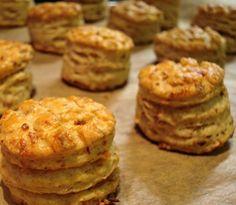 Ez a hamis krémtúrós recept eddig senkinek nem okozott csalódást Salty Snacks, Quick Snacks, My Recipes, Dessert Recipes, Cooking Recipes, Seasoned Roasted Potatoes, Savory Pastry, Hungarian Recipes, Happy Foods