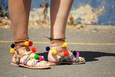 Sandalias de pompones de Gioseppo