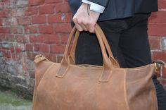 Kurtis Paul - Beautifully crafted, high quality mens leather bags. Duffle bag, Backpack, Tote bag, Holdall, Gym bag, Weekend bag, Overnight bag, Briefcase, Office bag, Messenger bag, Gentleman, Laptop Sleeve, Macbook Sleeve, Pencil case, Leather, Canvas