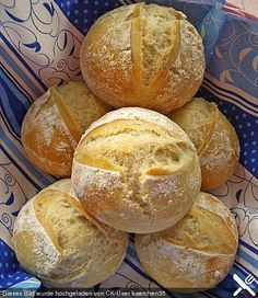 Brötchen wie vom Bäcker, ein schmackhaftes Rezept aus der Kategorie Brot und B… Bread rolls as from the baker, a tasty recipe from the category bread and rolls. German Bread, German Baking, Baker Recipes, Cooking Recipes, Bread Recipes, Bread Rolls, Bread Baking, Brunch Recipes, Dinner Recipes