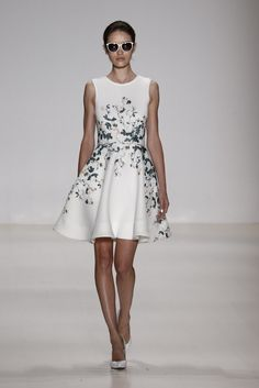 Erin by Erin Fetherston RTW Spring 2015 / Gorgeous floral dress #NYFW