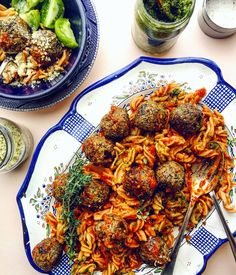 Quinoa Neatballs are one of my favourite plant-based meals to make for a quick, fun, easy, Monday night meal or as part of my weekly meal prep. Cooking With Kids, Cooking Time, Learn To Cook, Food To Make, Olive Oil Pasta, How To Peel Tomatoes, Meal Prep For The Week, How To Double A Recipe, Base Foods