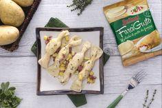 Le caramelle ripiene di patate e salsiccia alle erbe aromatiche, sono una pietanza sfiziosa e saporita da realizzare in pochi minuti.