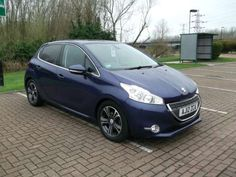 Used 2012 (12 reg) Blue Peugeot 208 1.6 e-HDi Allure 5dr for sale on RAC Cars