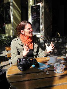 Voller Begeisterung: Künstlerin Janna Kahrs. – Foto © Kai Willi Schröder