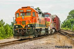 https://flic.kr/p/WaPfia | BNSF 2199 | EMD GP38 | UP Memphis Subdivision | BNSF 2199 is a former Santa Fe unit leading the BNSF Little Rock Local off UP rails (trackage rights) and back onto home rails at Bridge Junction in Briark, Arkansas.