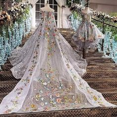 Real Photo 2017 Gray High Quality Luxury Lace Applique Wedding Dress Vintage Cathedral Train Ball Gown Bridal Gowns with Shawl-in Wedding Dresses from.