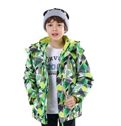 Boys' Waterproof Sportswear Jacket Fleece Windproof Ski Jacket Green. 100% Polyester. Zipper closure with removable hood. Two vertical zipper pockets. Micro fleece lining. Reflective graphic back, glowing in the dark, which enhance child outdoor security.