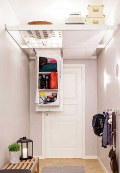 Ceiling storage organiser, net, shelf and one shoe storage Tiny House Closet, Tiny House Storage, Loft Storage, Small Space Storage, Smart Storage, Storage Shelves, Storage Spaces, Extra Storage, Shoe Storage