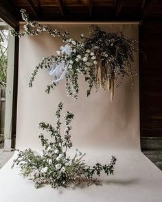 Spectacular wedding flower backdrop installation inspiration 💕 ・・・ With Creative Team: Venue and catering: Gowns: Photography: . Floral Wedding, Wedding Flowers, Wedding Flower Backdrop, Deco Studio, Flower Installation, Hanging Flowers, Backdrop With Flowers, Floral Backdrop, Wedding Hair Accessories