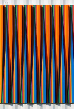 Colour and light: Art Basel Miami – By Carlos Cruz-Diez. Photography by John McKinnon. Blur Background Photography, Blur Photo Background, Black Background Images, Background Images Wallpapers, Op Art, Fall Wallpaper Tumblr, Best Free Lightroom Presets, Lightroom Tutorial, Light Texture