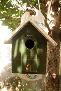 Birdhouse in green