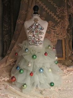 STYLE diva tree, Retail Details blog: LOVE the use of a dress form as a Christmas tree. Description from pinterest.com. I searched for this on bing.com/images