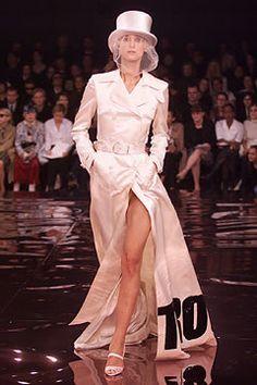 Stella McCartney Spring 2002 Ready-to-Wear Fashion Show - Kasia Pysiak, Stella McCartney